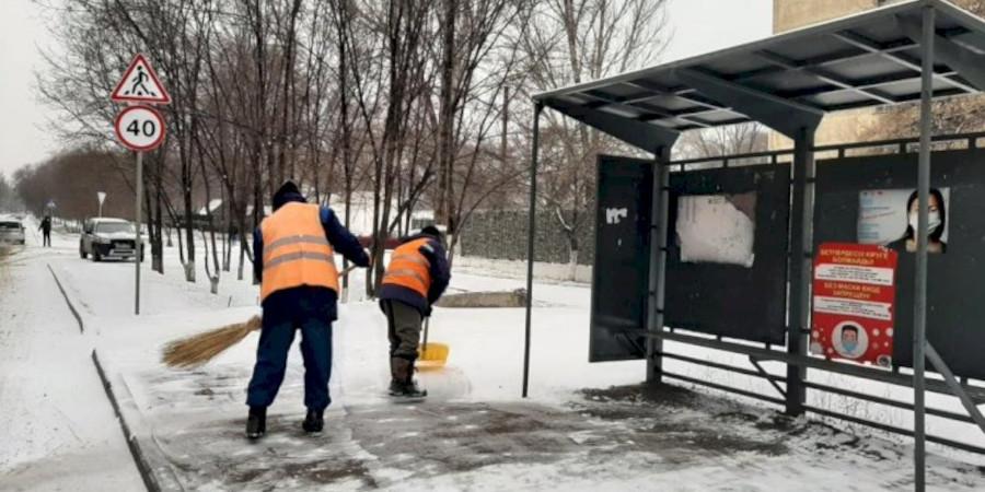 В Алматы полным ходом идут работы по уборке снега