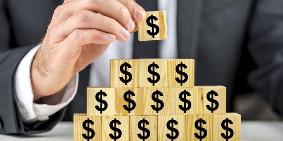 Финансовая пирамида: как ее распознать. Что делать, если вы попали в сети финансовой пирамиды?