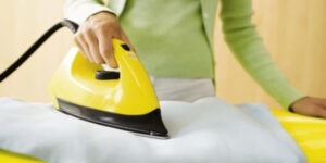 Как очистить покрытие утюга